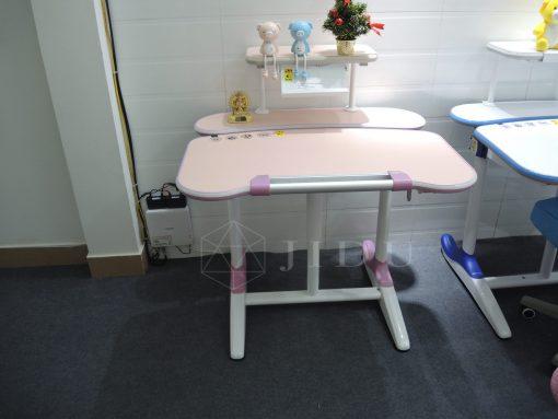 Kích thước của chiếc bàn là một yếu tố không thể bỏ qua