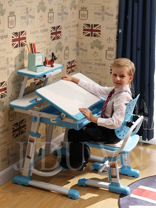 bộ bàn học thông minh cho bé DRZ -302 đang được ưa chuộng và bán chạy nhất tại cửa hàng Bsuc
