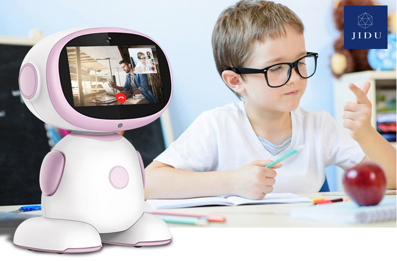 Thực hành học tiếng anh với robot okai thường xuyên